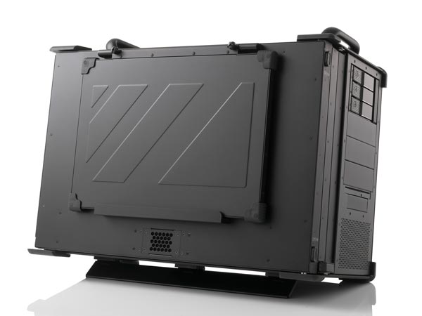 Transportable workstation with displays closed and keyboard mounted